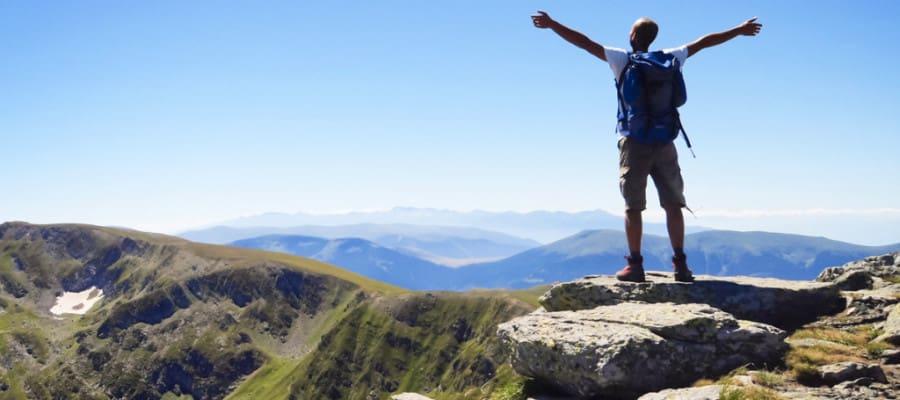 Career Advice For School Leavers – Spotlight on Gap Year Options